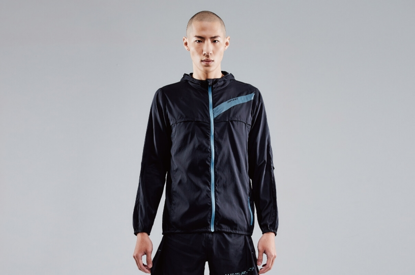 LIGHTWEIGHT BREATHABLE RUNNING JKT   MEN